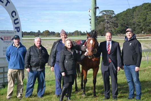 (From left to right) Steve Biggins - BP&WRC Committee, Neil Bourke - BP&WRC Committee, Rod McKinnon - BP&WRC President, Louise Staley – Liberal Candidate for Ripon, Ask The Boss – from Forest Lodge, Simon Ramsey – Member for Western Victoria, Justin Marshman - BP&WRC Committee