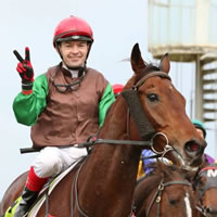 Yendall strikes twice on Day One of the 2015 Warrnambool May Carnival