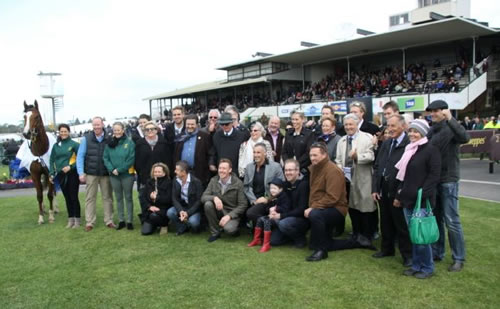 Reigning Meteor connections after winning the Sinclair Wilson Showcase BM70 Handicap at Warrnambool.
